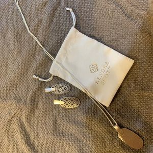 EUC Kendra Scott Silver Necklace and Earring
